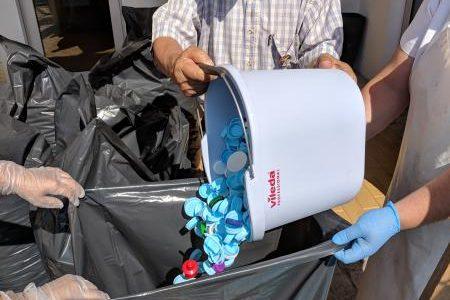 "Entrega de ""Tampinhas"" de Plástico"